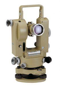 Tacheometro strumento misurazione